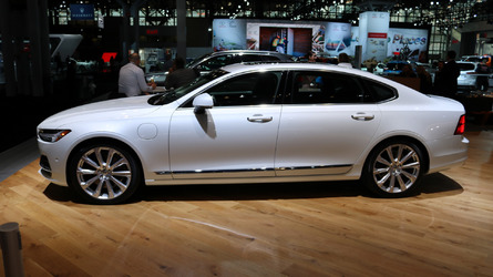 2018 Volvo S90 Stretches Out In New York
