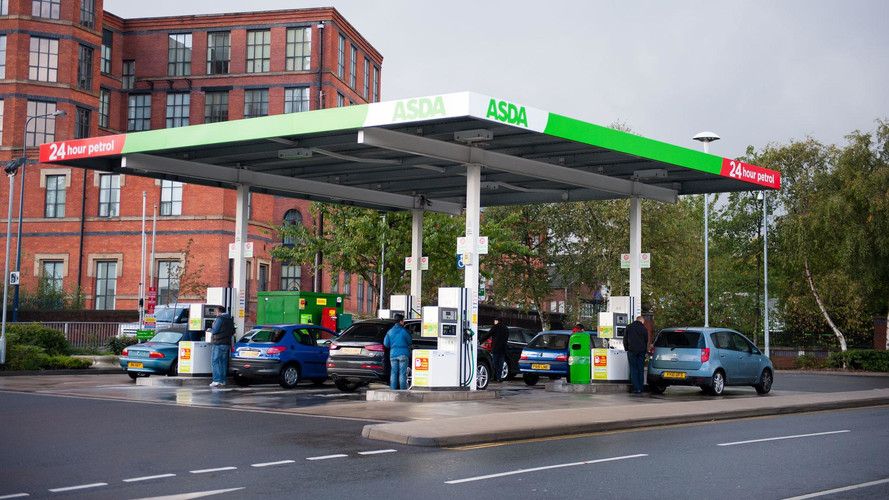 Government plans to force petrol retailers to install EV chargers