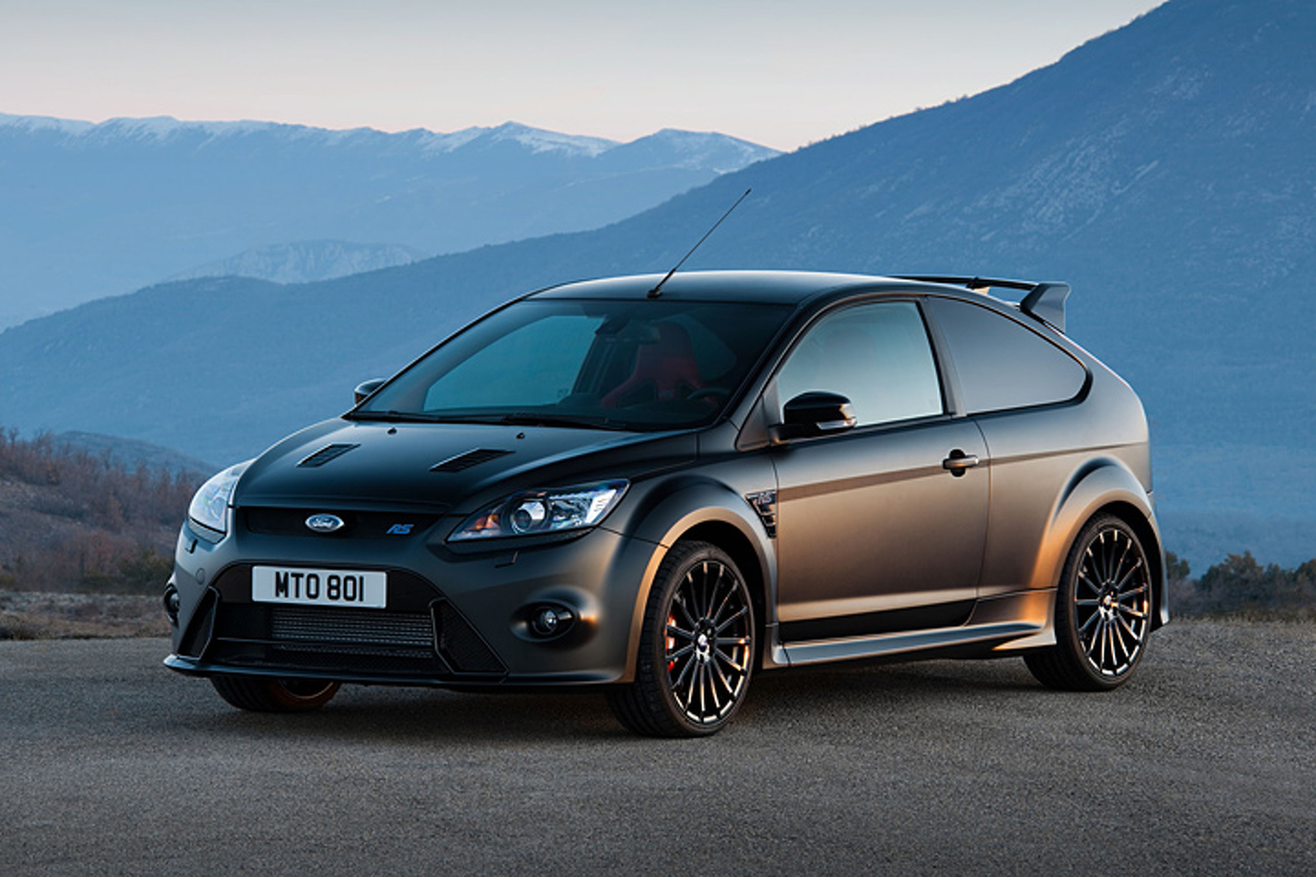 2016 ford focus rs may lead to faster rs500 version. Black Bedroom Furniture Sets. Home Design Ideas