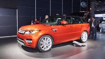 Daniel Craig reveals 2014 Range Rover Sport in New York