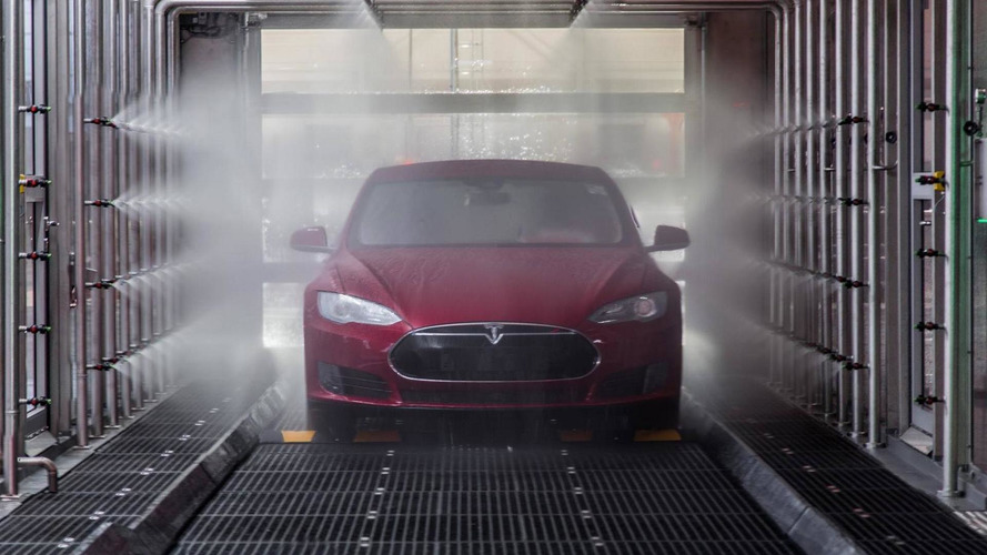 Tesla'nın otomobilleri kendi kendilerini servise mi götürecek?