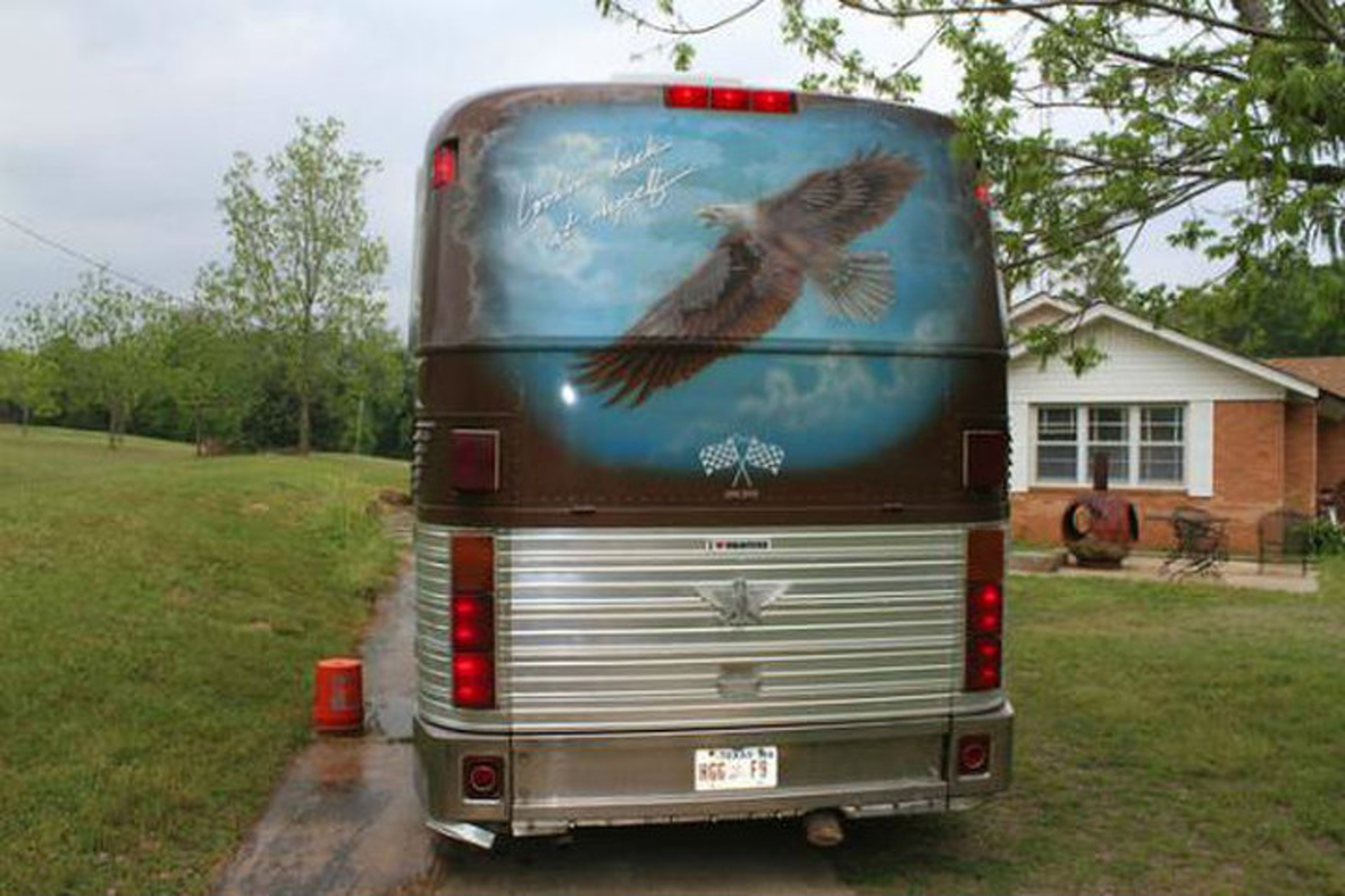 Found On Craigslist: Willie Nelson's Tour Bus