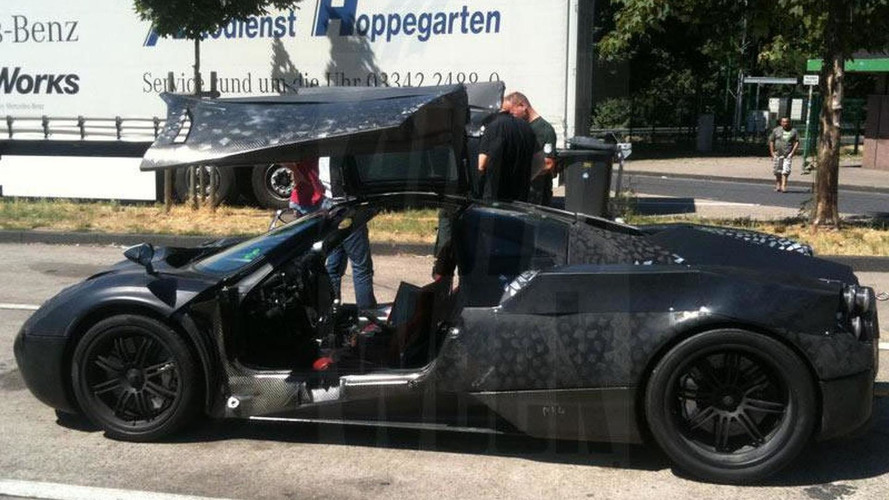 Pagani C9 Caught with gullwing doors open, production delayed