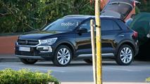 2018 VW T-Roc spy photo
