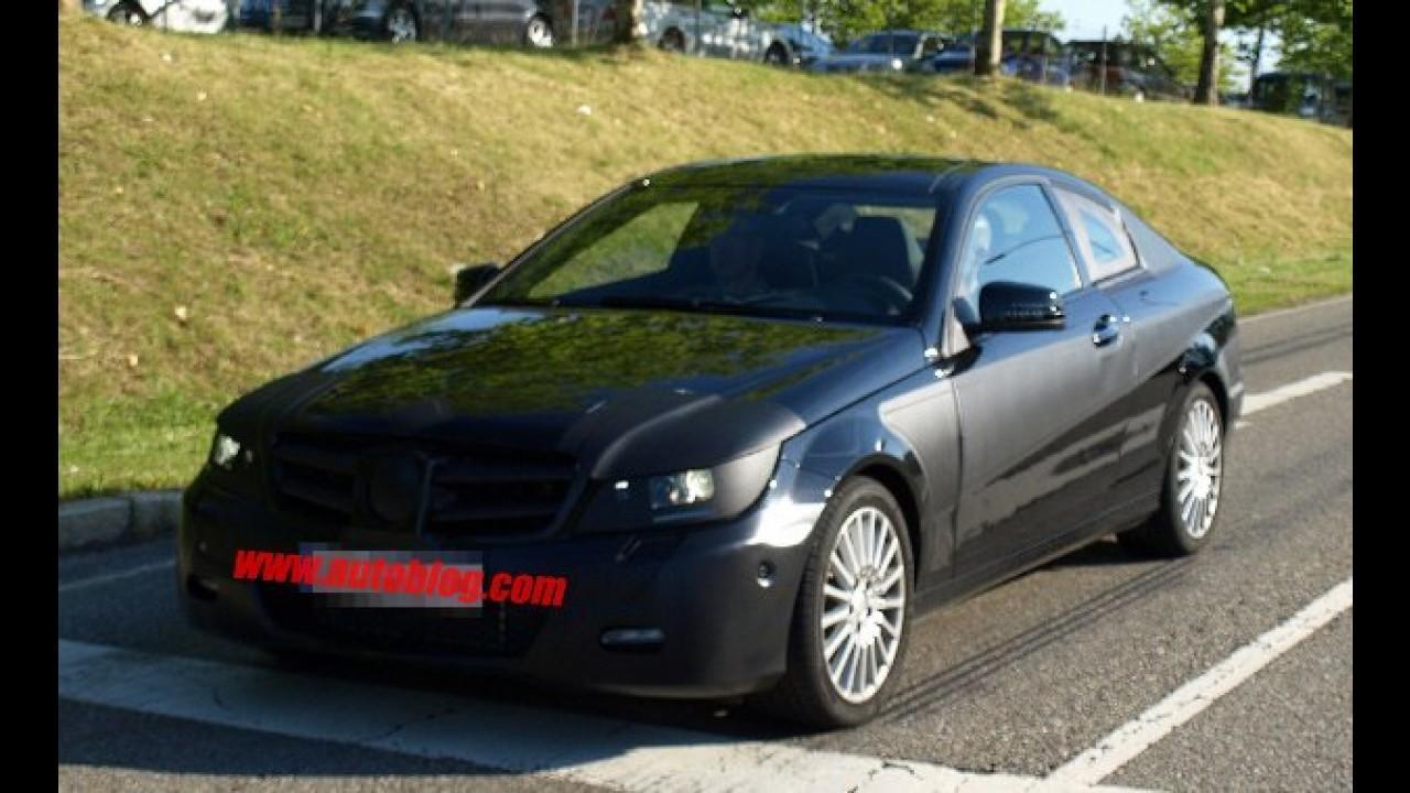 Mercedes Classe C Coupé? Fotos comprovam que o carro está a caminho