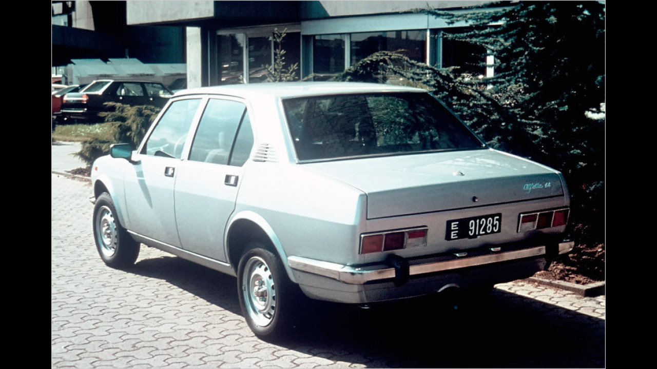 Alfetta Berlina (1975-1981)