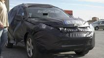 Peugeot 4007 Spy Photo
