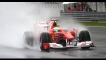 Fórmula 1: Webber faz a pole na Malásia - Barrichello larga em 7° e Massa em 21°