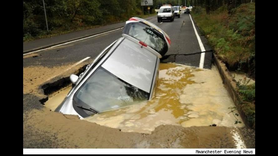 Buraco gigantesco: Em que rodovia brasileira você acha que esta foto foi tirada?
