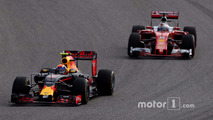 Max Verstappen, Red Bull Racing RB12 , Sebastian Vettel, Ferrari SF16-H