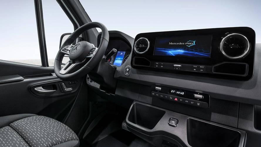 A következő-generációs Sprinter utasterét is új szintre emeli a Mercedes