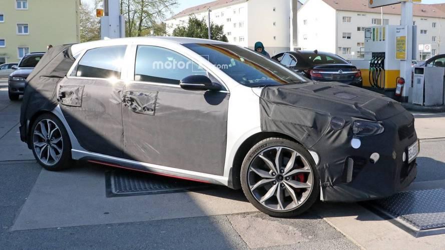 2019 Kia Ceed GT spy photos