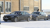 BMW 5-Series Touring and Sedan spied side by side 25.02.2010