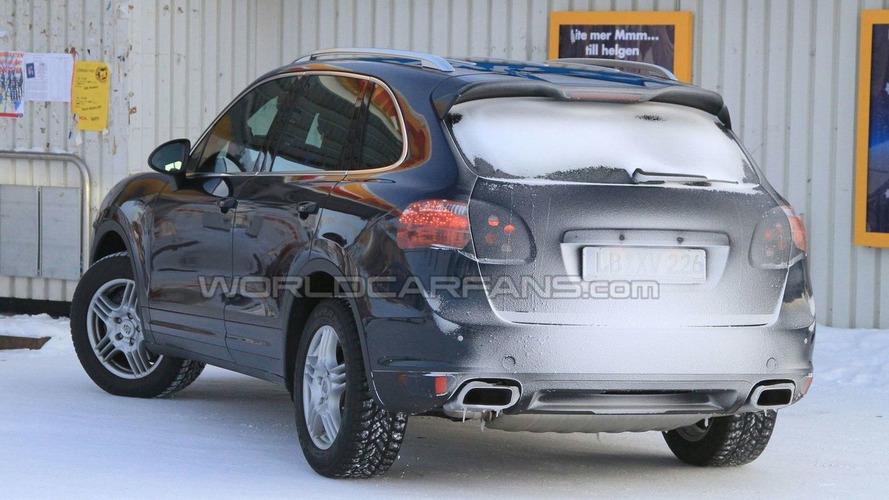 2011 Porsche Cayenne Diesel Spied Winter Testing
