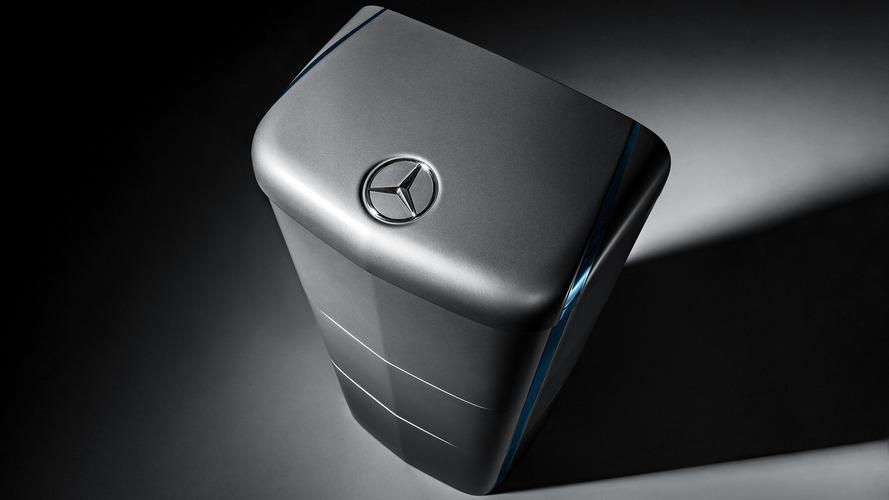 Mercedes enerji depolama üniteleri evlere güç vermeye hazır