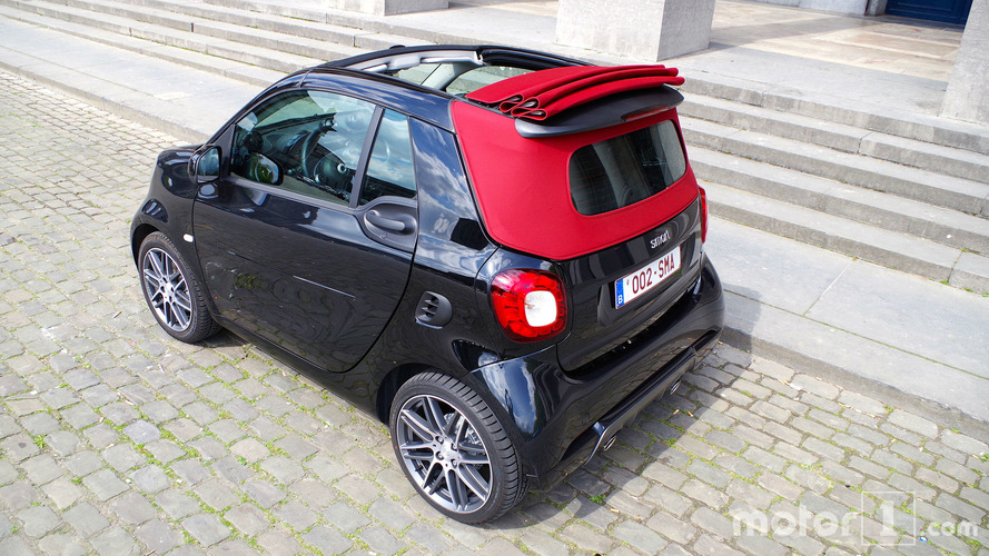 essai smart fortwo cabrio brabus xclusive pour citadin press. Black Bedroom Furniture Sets. Home Design Ideas