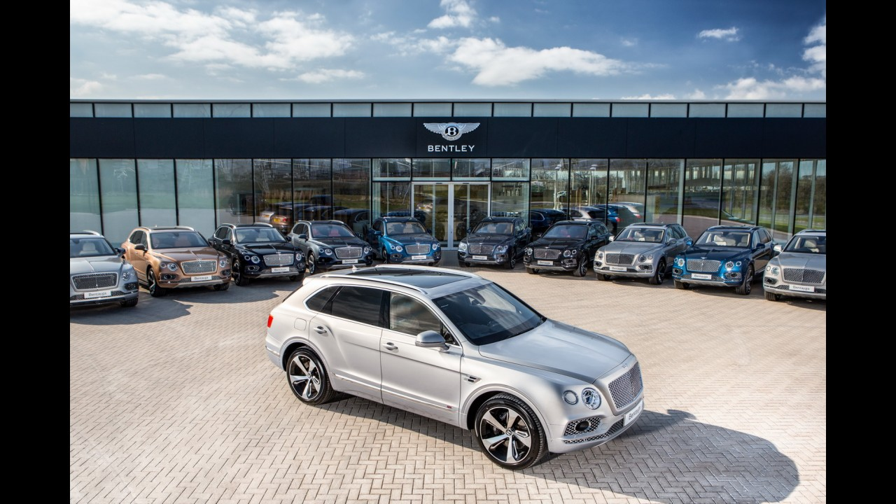 Bentley Bentayga destrona Range Rover da garagem da rainha Elizabeth II
