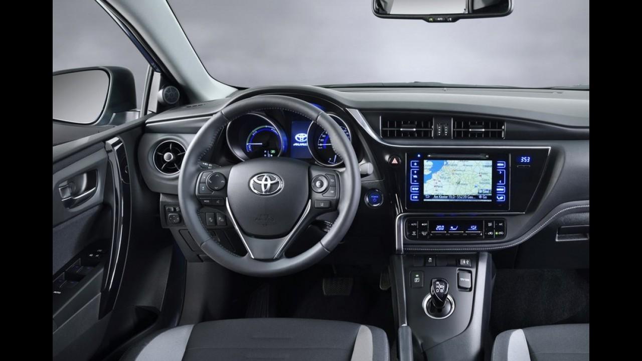 """Toyota Auris, o """"Corolla Hatch"""", ganha retoque visual e novos itens - veja fotos"""