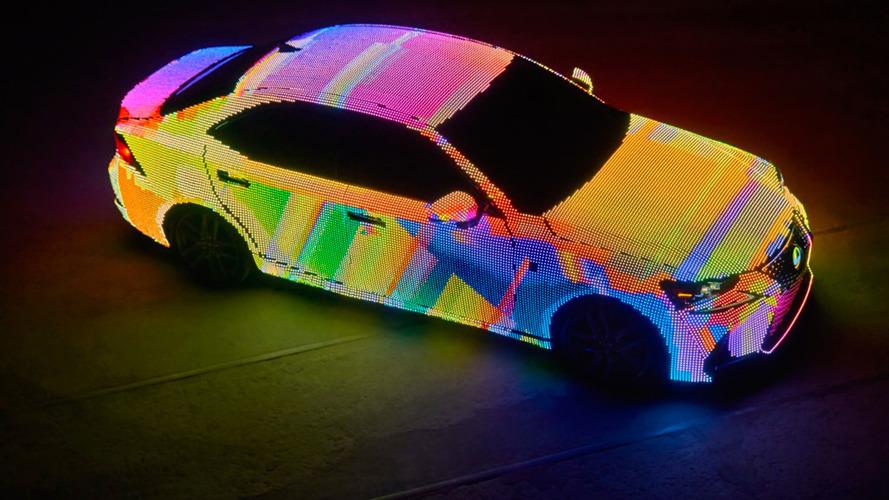 Lexus IS, Dua Lipa'nın klibinde yer aldı