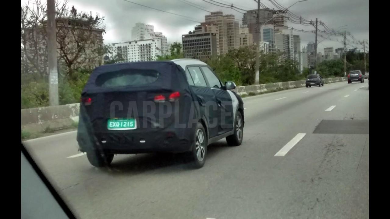 Flagra: novo Hyundai Creta nacional circula camuflado em testes finais