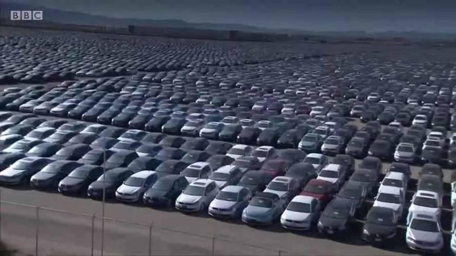 Volkswagen'in dizel otomobil mezarlığı havadan görüntülendi