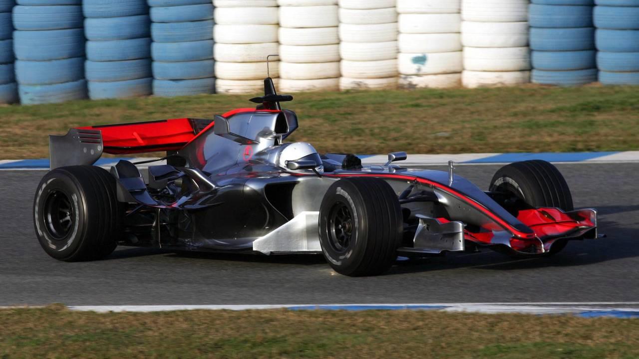 21. El McLaren Mercedes MP4/21 de F1