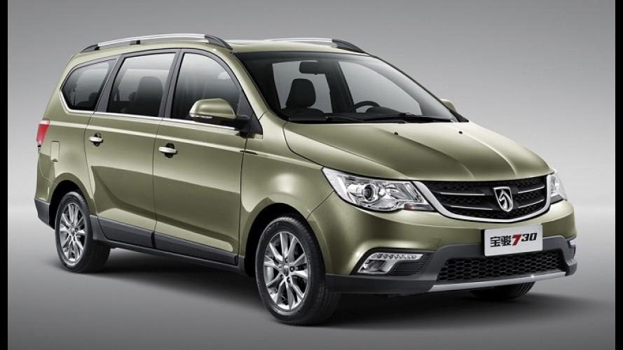 Spin da China: GM apresenta minivan Baojun 730 de sete lugares