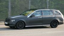 SPY PHOTOS: Mercedes C-Class Estate