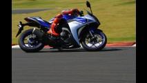 Galeria: líder da MOTO GP, Jorge Lorenzo acelera a nova Yamaha R3 no Brasil