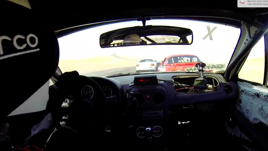 Miata sürücüsün sonunculuktan birinciliğe inanılmaz geçişi