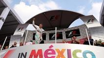 Podium: Race winner Nico Rosberg, Mercedes AMG F1 Team