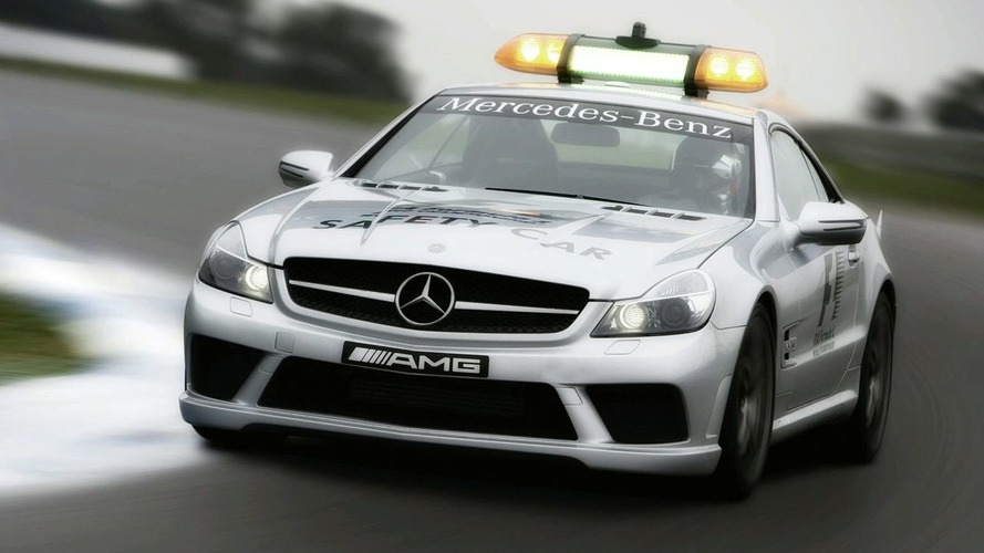 Mercedes SL 63 AMG Pace Car & C 63 AMG Medical revealed for 2008 Formula 1 season