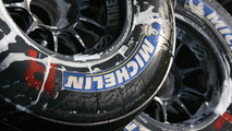 Michelin F1 tyres are cleaned in the paddock, United States Grand Prix, 01.07.2006, Indianapolis, USA