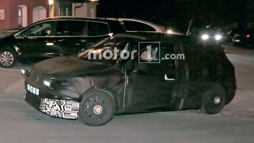 Seat subcompact crossover spied for the first time