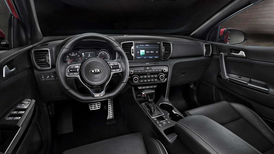 Kia reveals interior and technical specs of 2016 Sportage ahead of Frankfurt launch