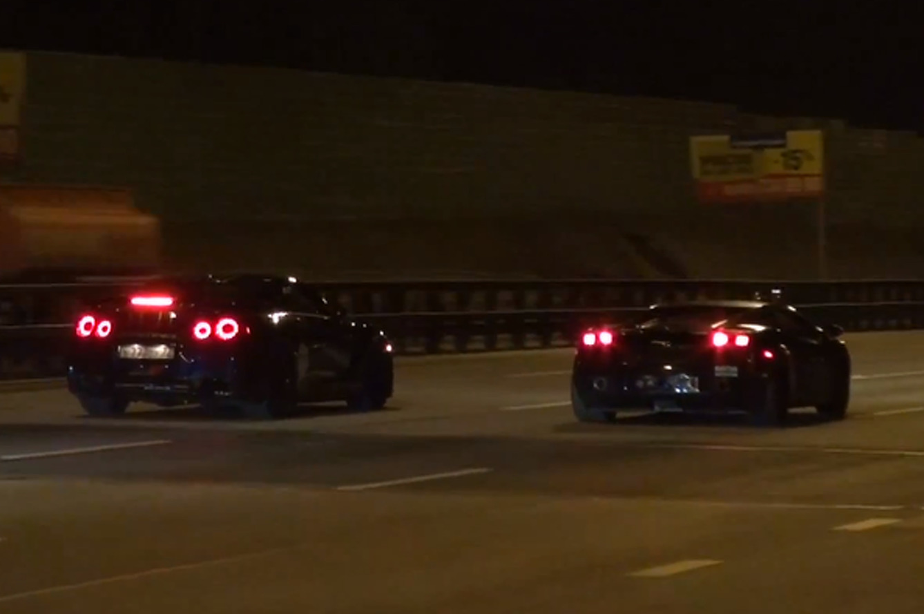 Two Supercars Take to Russian Highway for 224 MPH Drag Race