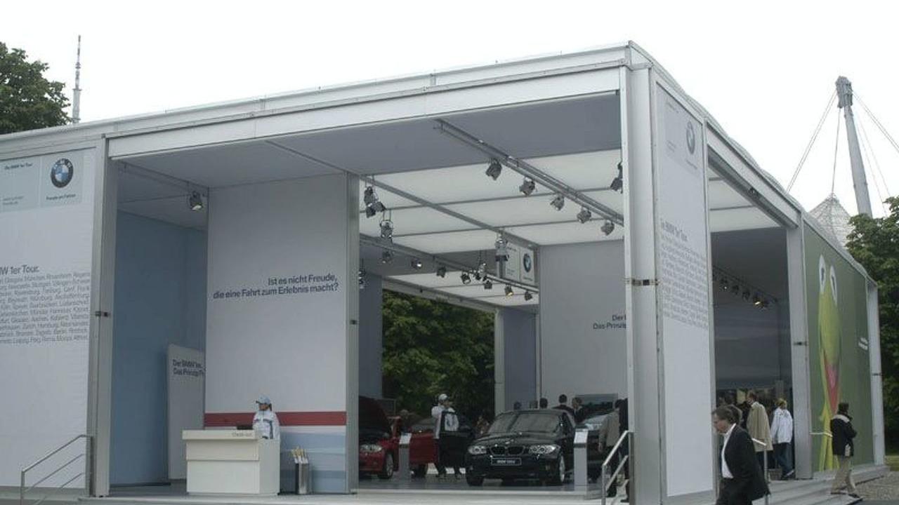 BMW 1er Tour Pavillion in München