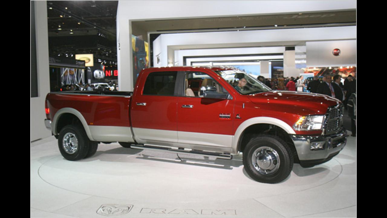 Dodge Ram 3500 Laramie Heavy Duty Crew Cab