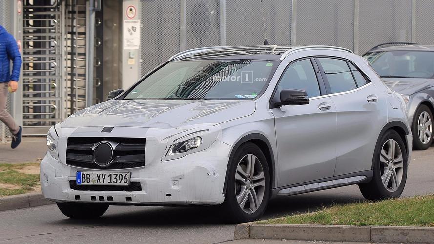 Mercedes-Benz GLA Serisi, makyajlı kasasını hafif kamuflajla sergiledi