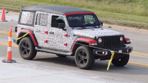 Jeep Wrangler Sahara spy photo