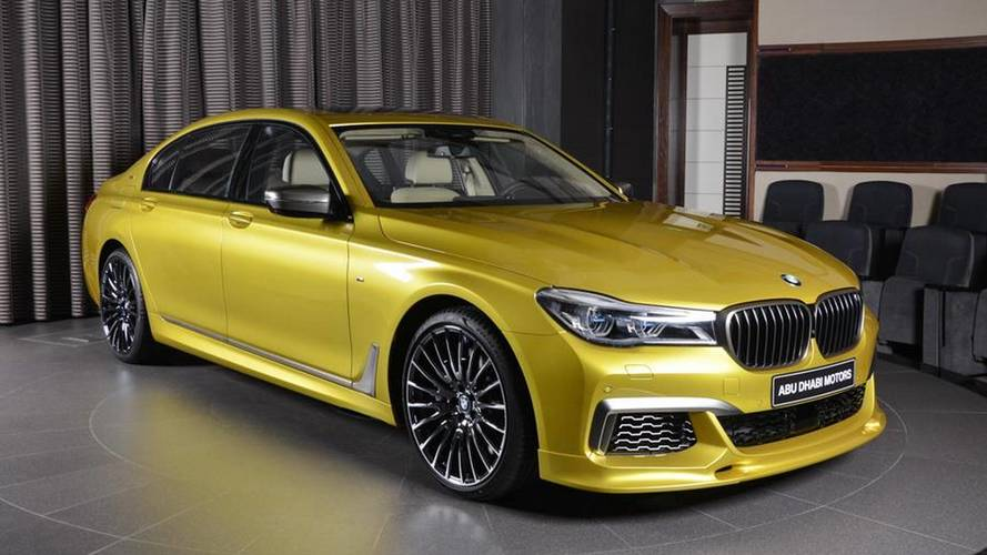 BMW M760Li xDrive Austin Yellow