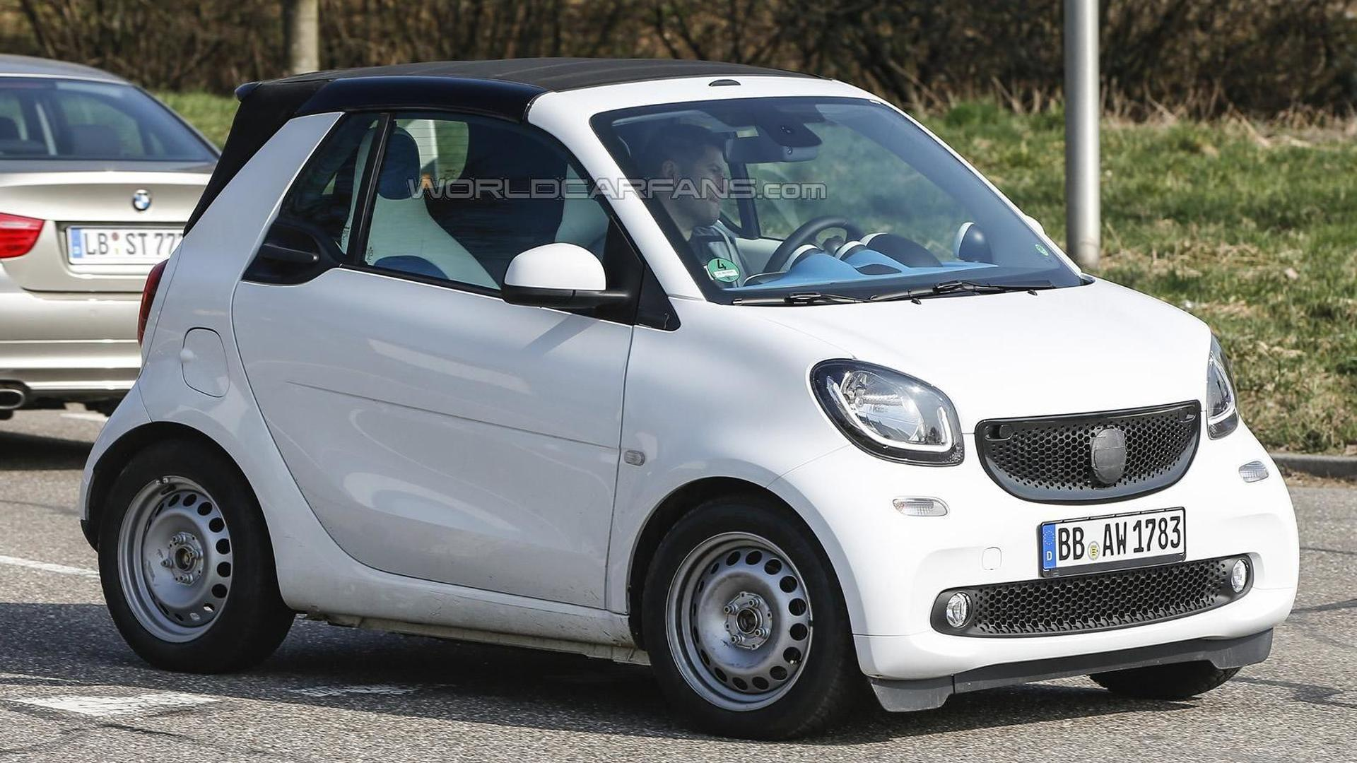 2016 smart fortwo cabrio spied undisguised. Black Bedroom Furniture Sets. Home Design Ideas
