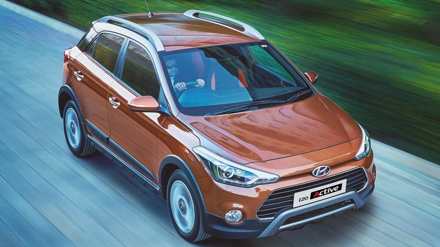 Hyundai i20 Active detailed in 40 official pics