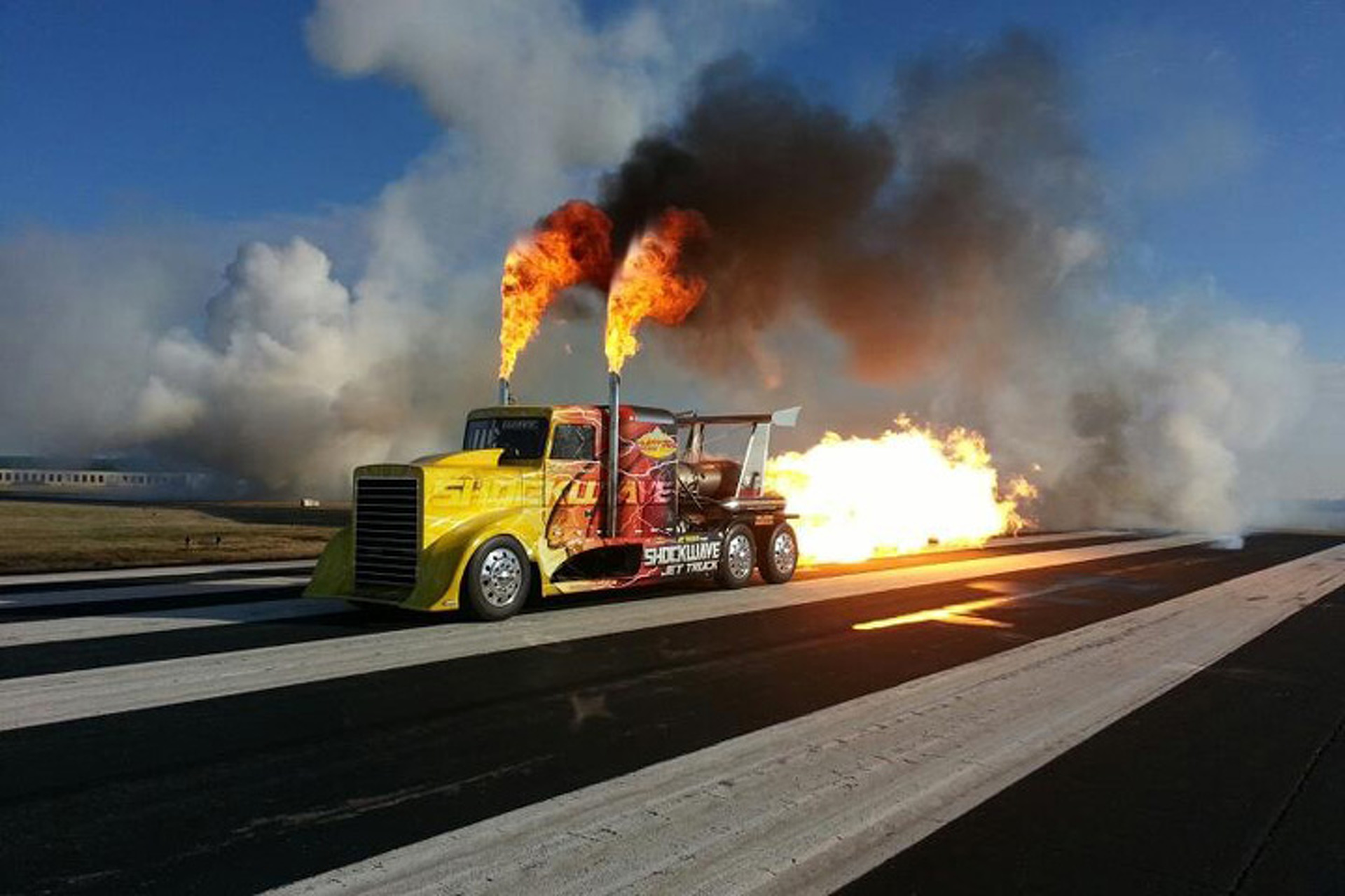 the shockwave jet truck is over 100mph faster than a bugatti veyron. Black Bedroom Furniture Sets. Home Design Ideas