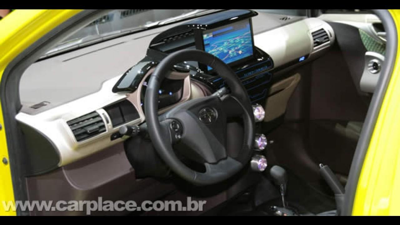"""Scion iQ Concept 2009 - Ultra-compacto da Toyota é apresentado """"tunado"""" em Nova York"""