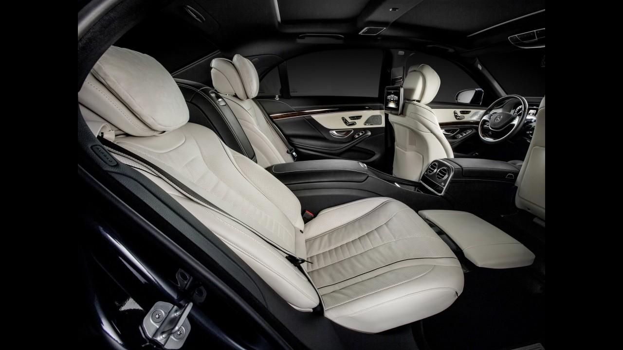 Mercedes Classe S Pullman mira modelos da Rolls Royce