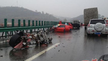 Brutal crash between a Ferrari 458 Spider and a California in China