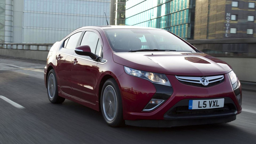 Vauxhall introduces entry-level Ampera Earth