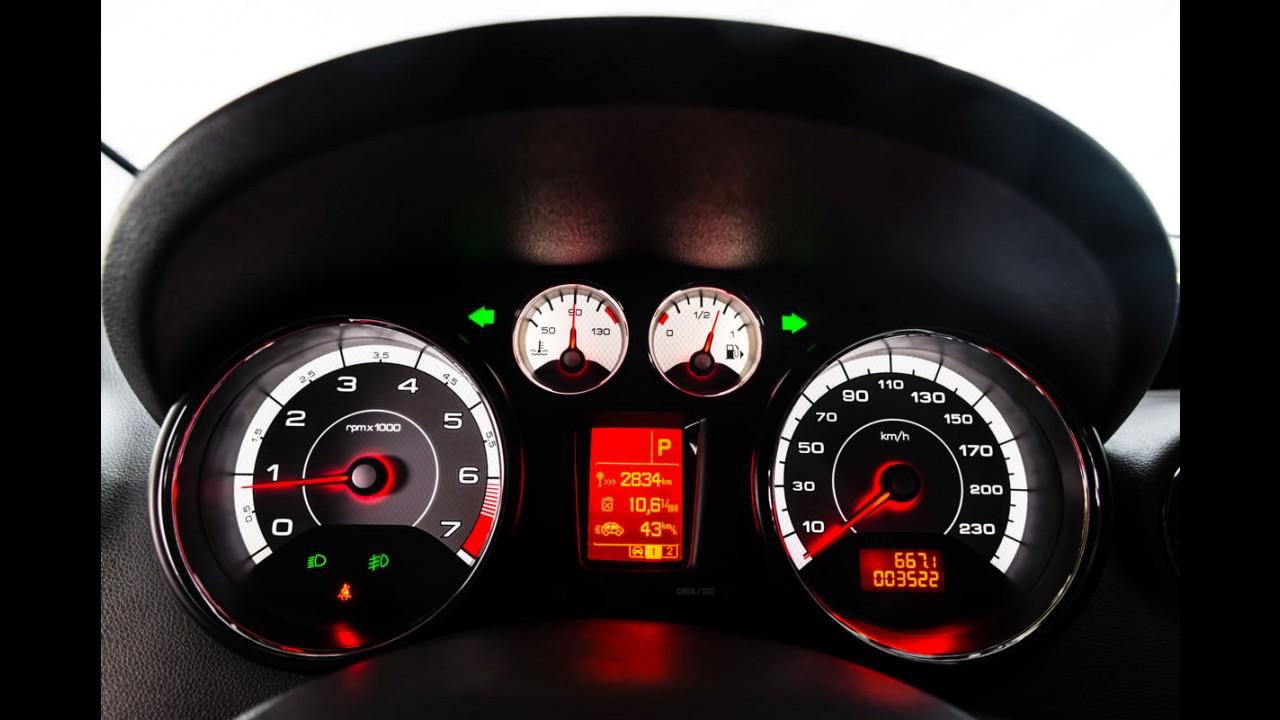 """Volta rápida: de cara nova, Peugeot 308 """"Mercosul"""" aposta no recheio"""