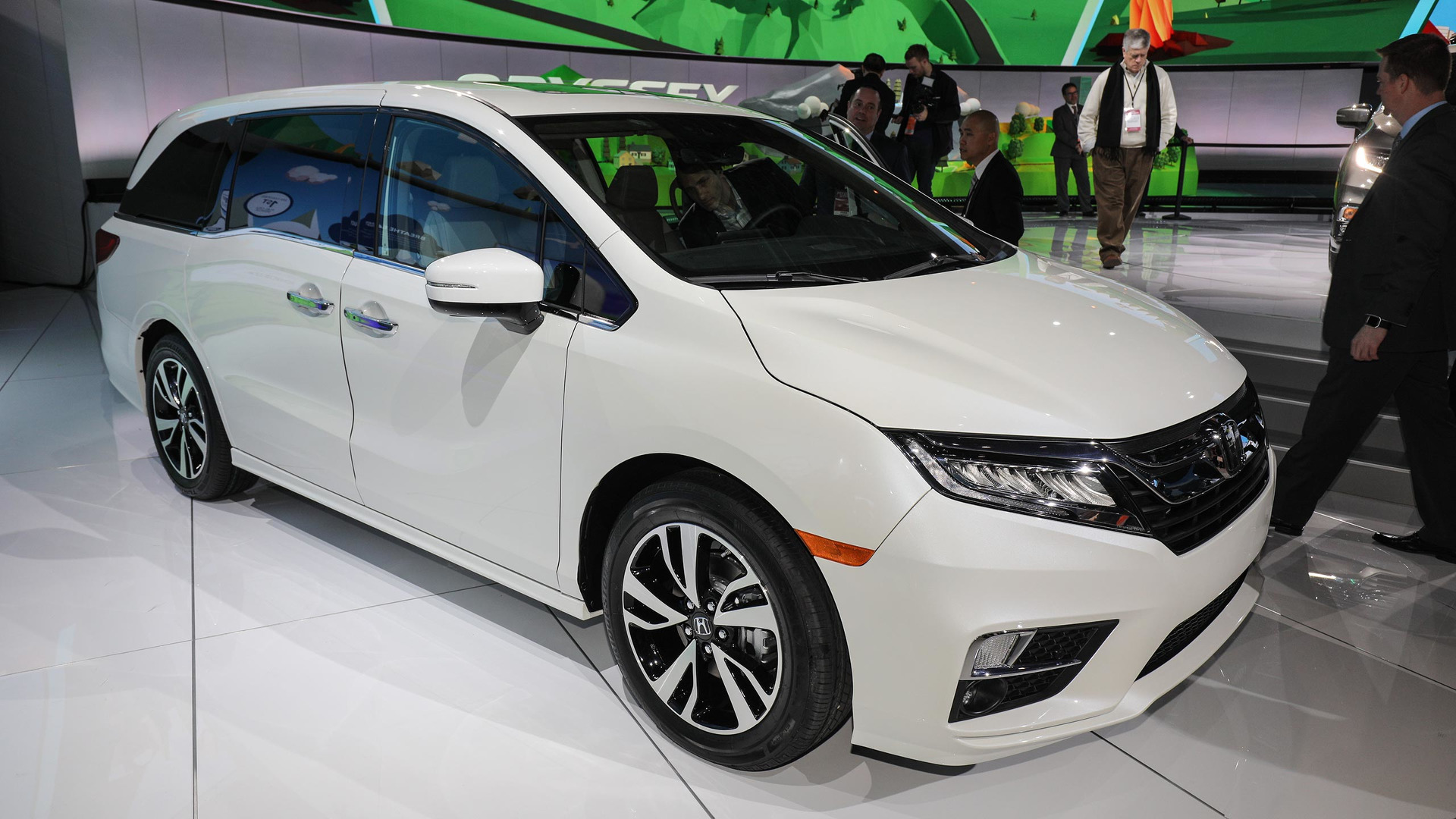 2018 Honda Odyssey Is A Tech Friendly Family Hauler